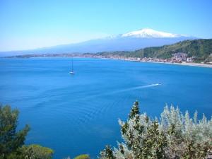golfo-di-Naxos-con-Etna
